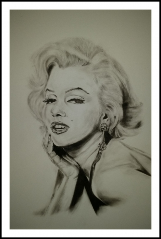 Marilyn Monroe - Give a girl the right shoes and she can conquer the world